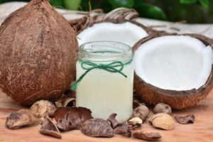 coconut oil is a one of the foods that help sciatica and is a great substitution to make in the diet