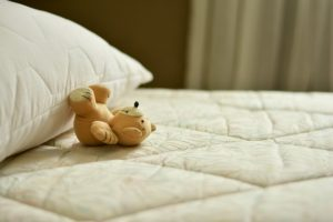 Guide for how to choose the best mattress for back pain and sciatica